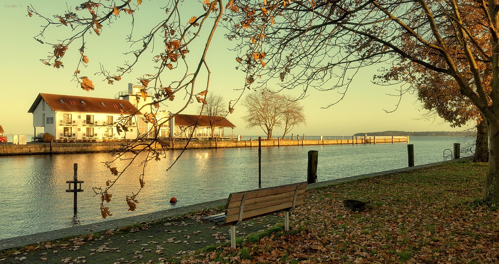Erholung, Entspannung und Ruhe im Herbst am Ryck in Greifswald-Wieck