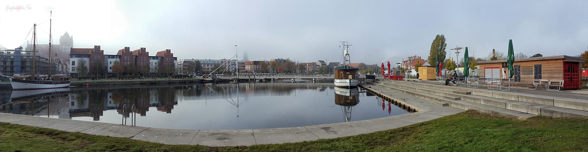 Oktobersonntag am Museumshafen in Greifswald