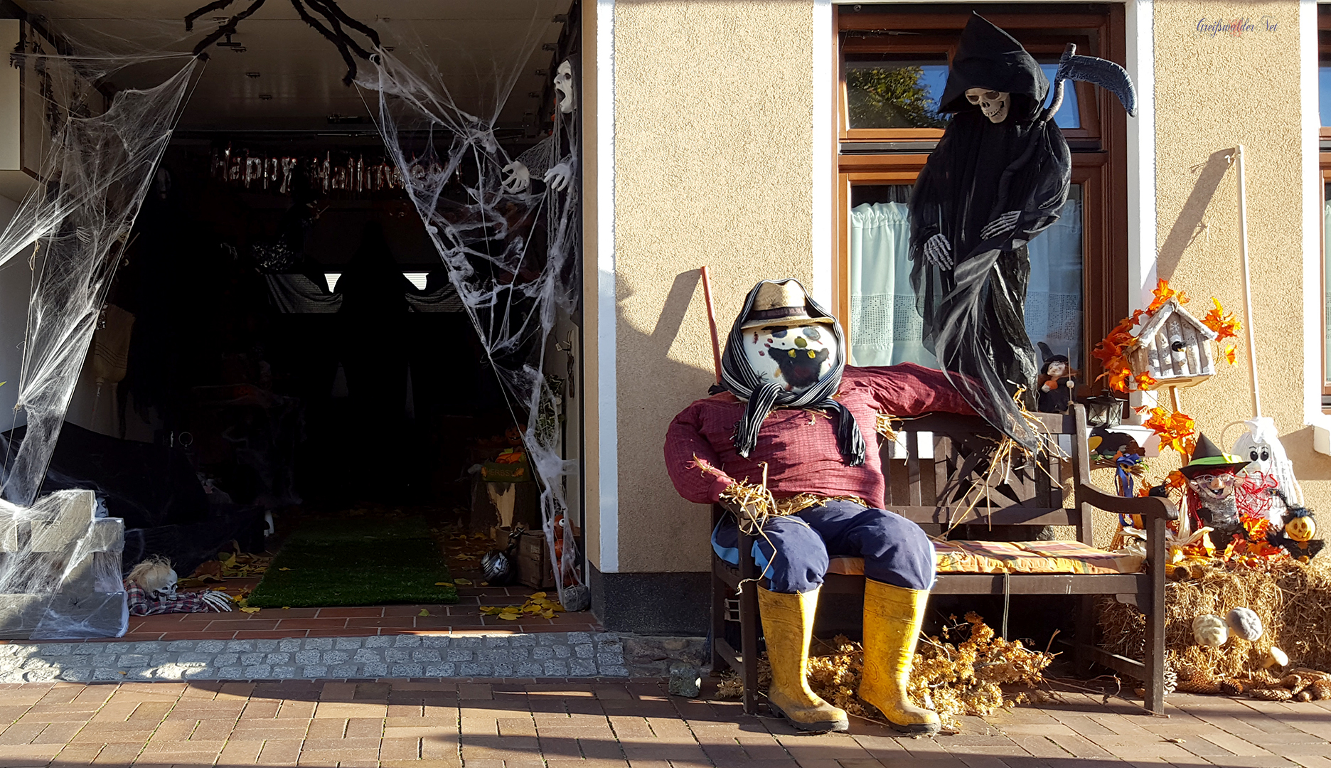 Halloween-Dekoration in Greifswald