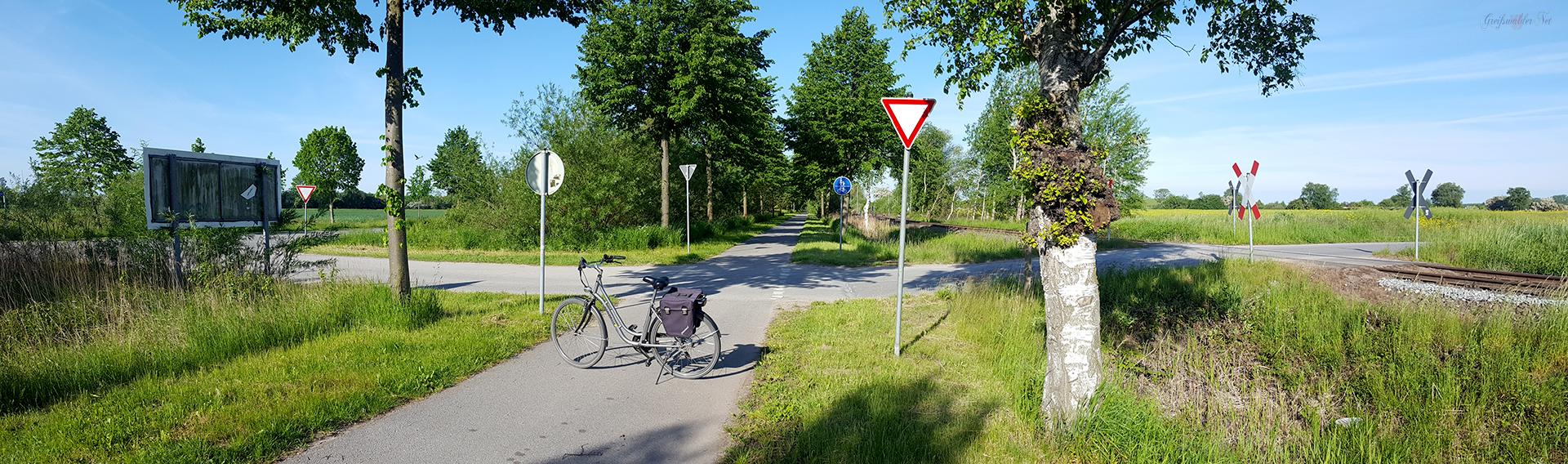Gleis, Straße, Weg