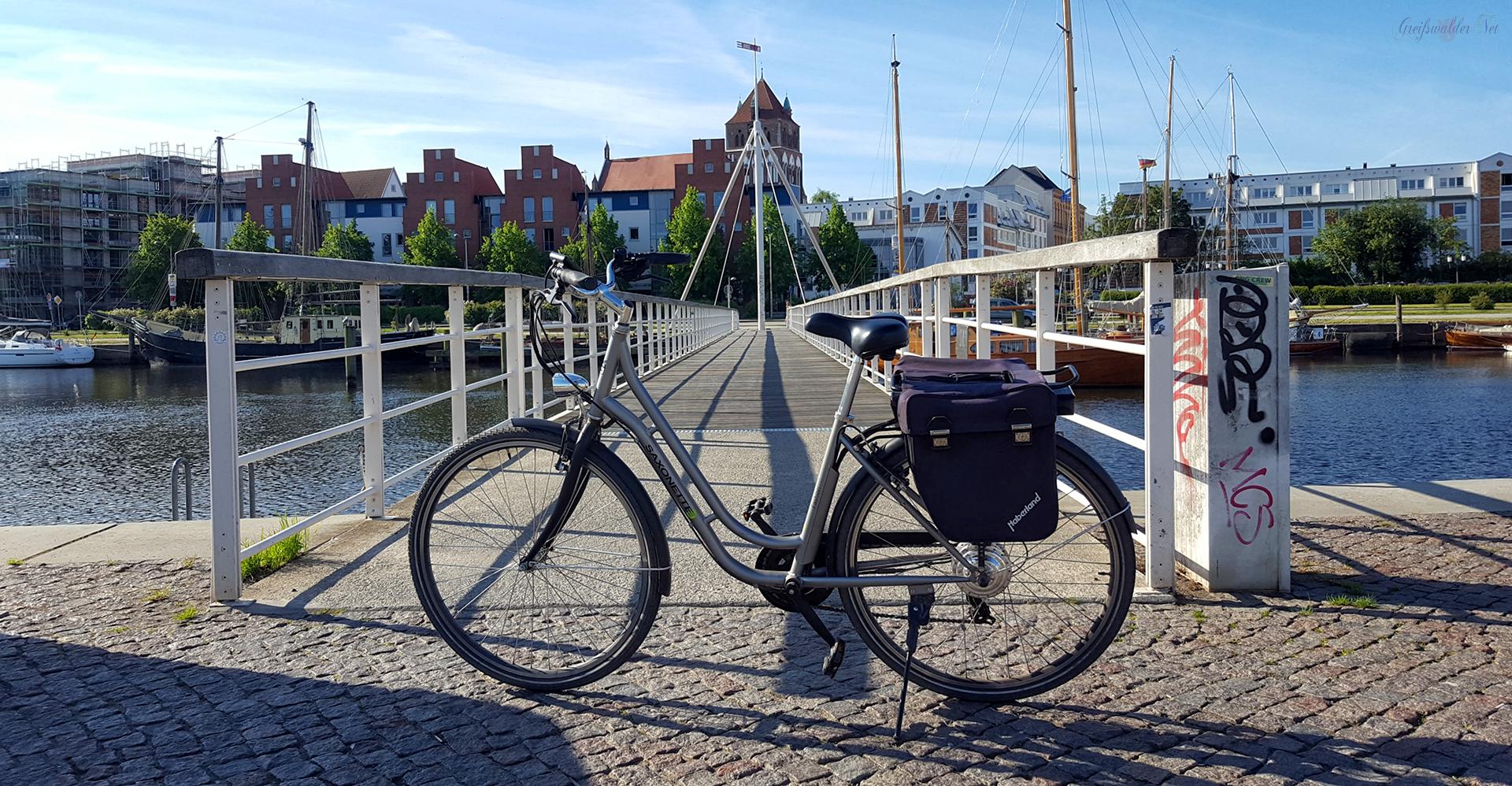 Brücke am Museumshafen in Greifswald