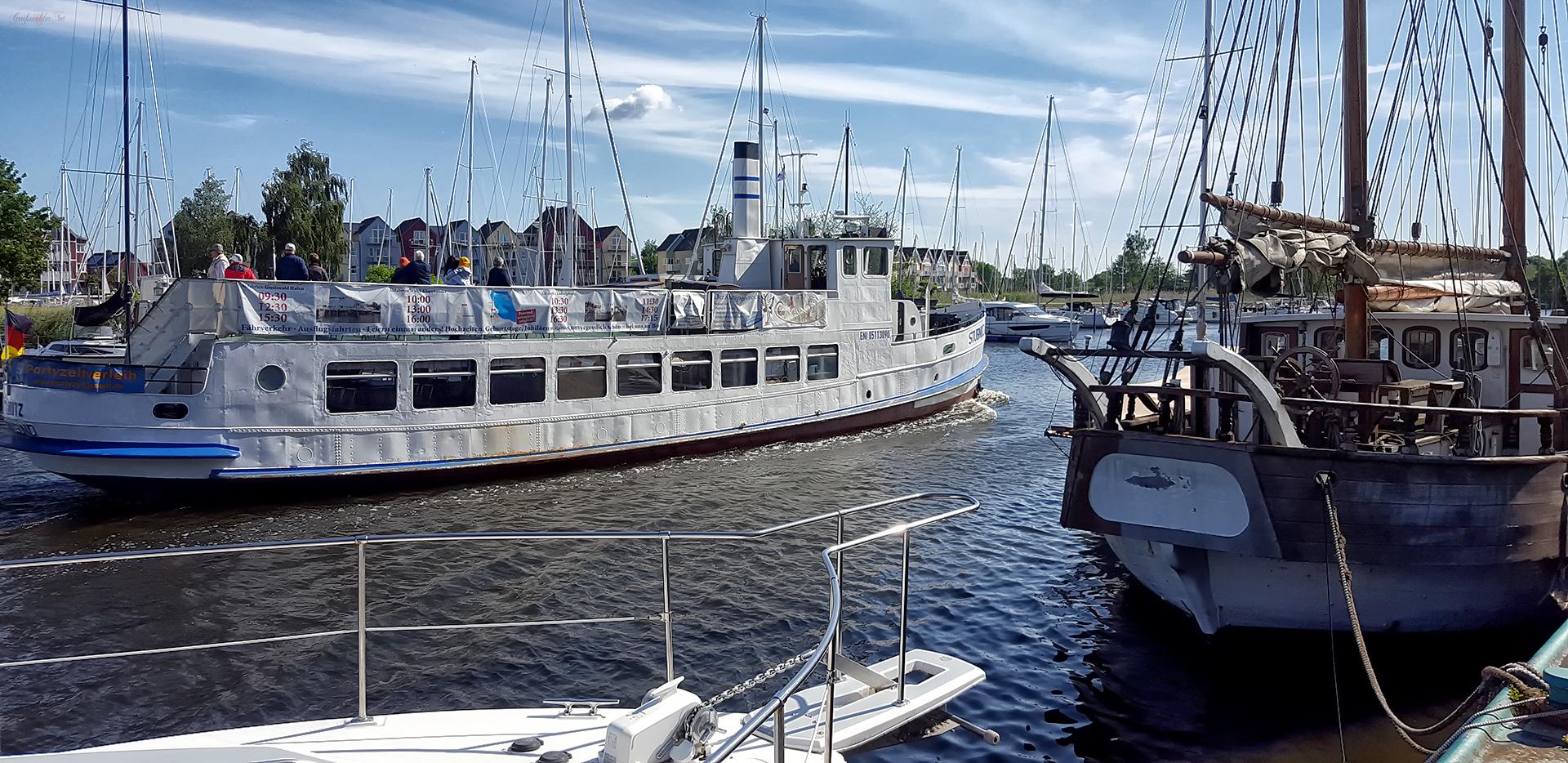 Schiffsverkehr auf dem Ryck in Greifswald