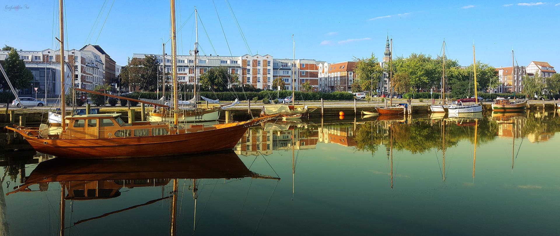 Museumshafen Greifswald - Spiegelungen