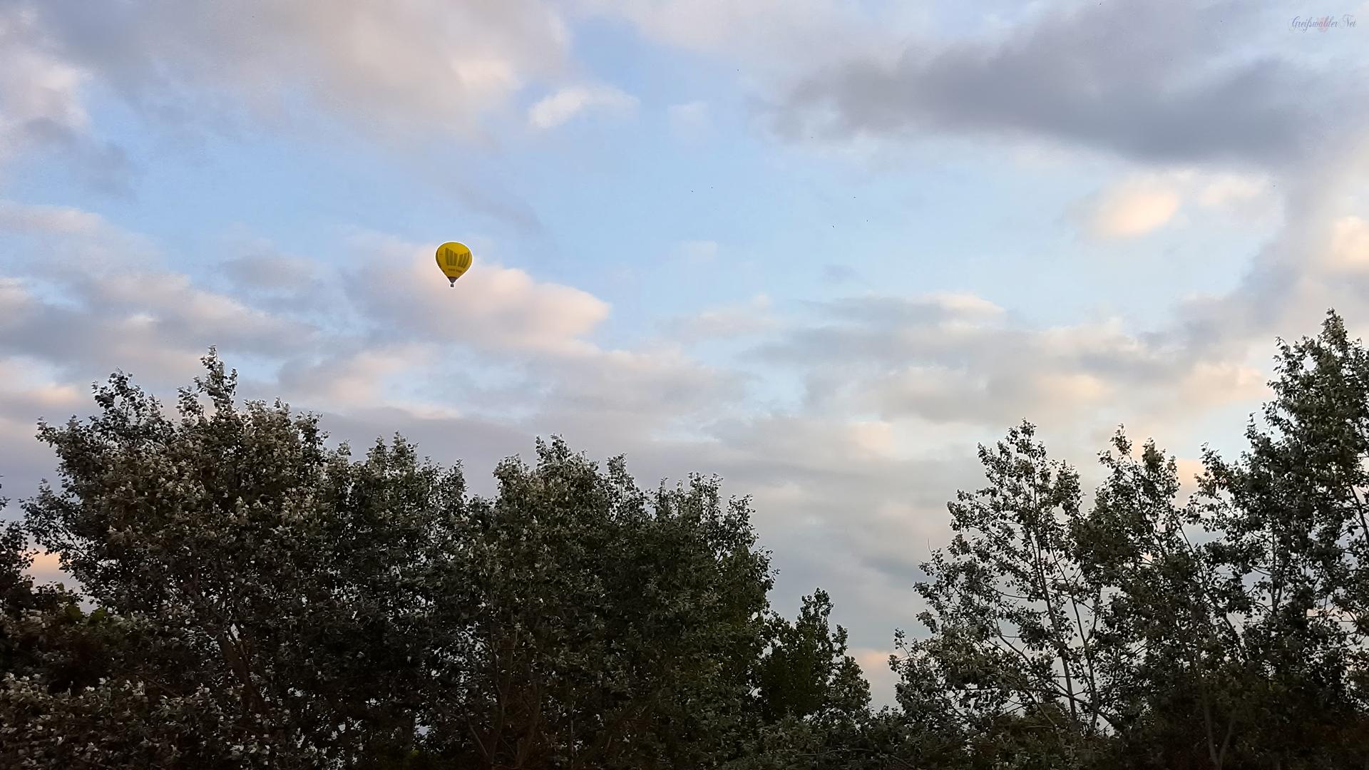 Heißluftballon über Greifswald