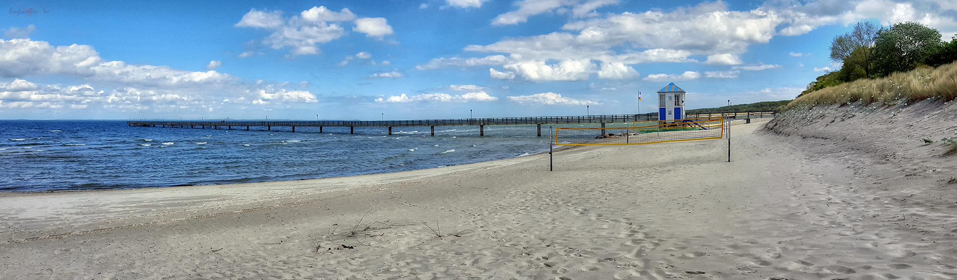 Strand und Seebrücke im Seebad Lubmin