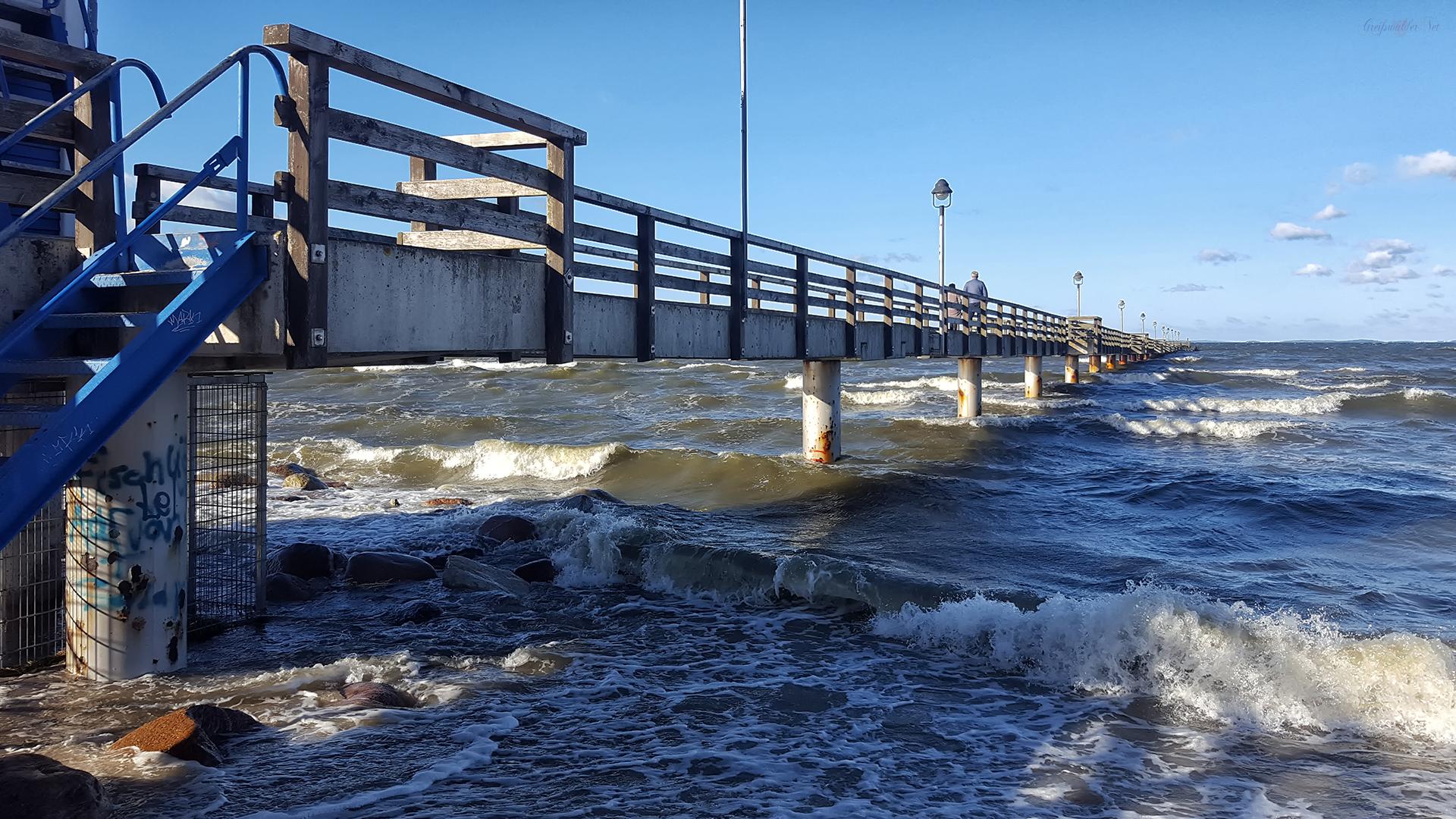 Seebrücke Lubmin im Herbst