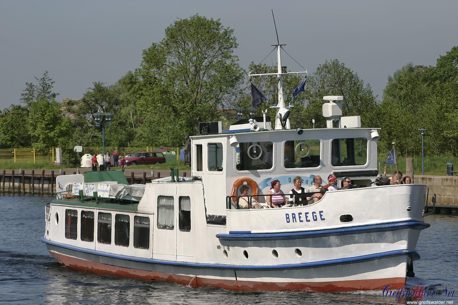 Fahrgastschiff MS Breege auf dem Ryck