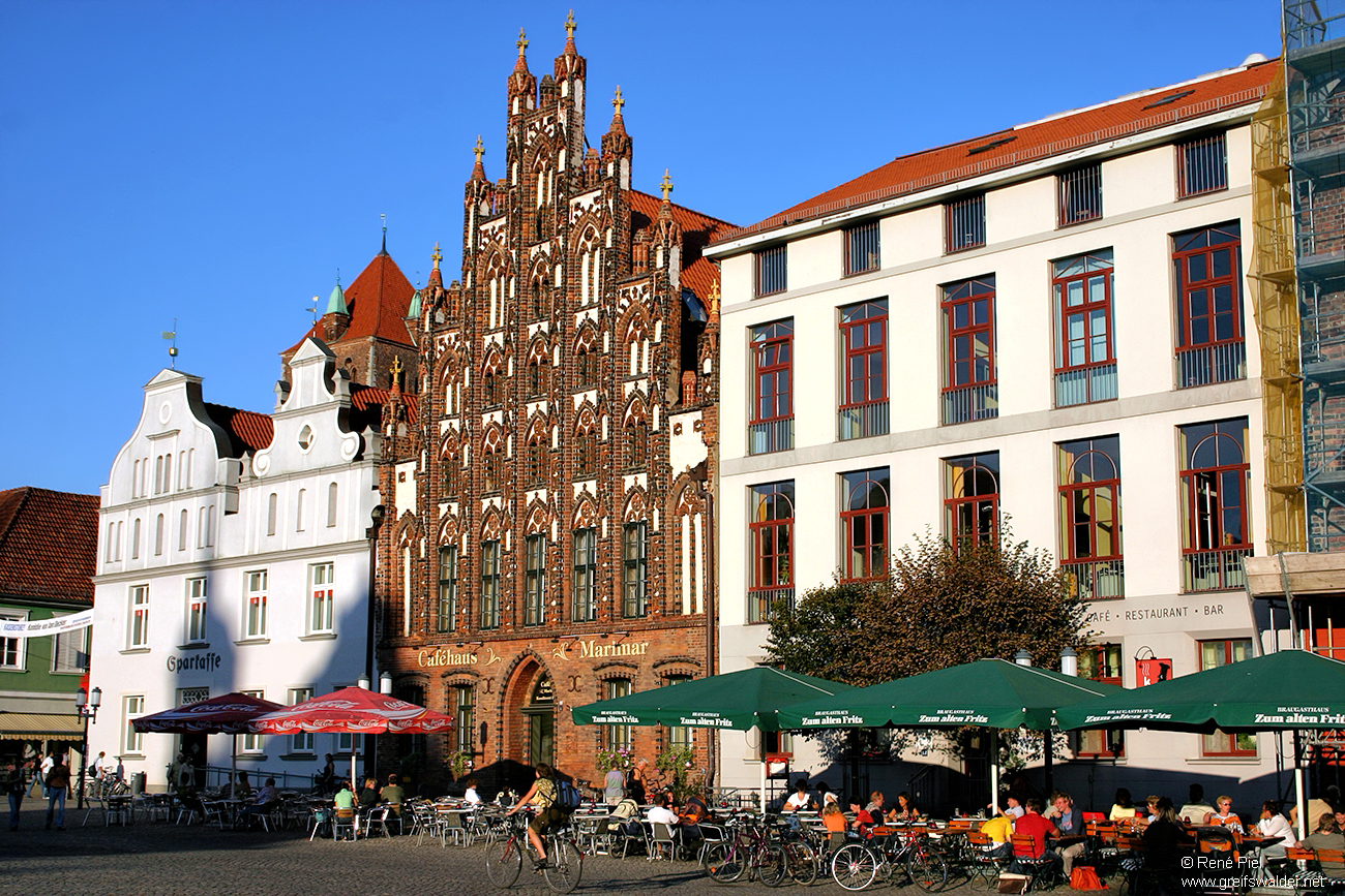 Markt Ostseite in Greifswald
