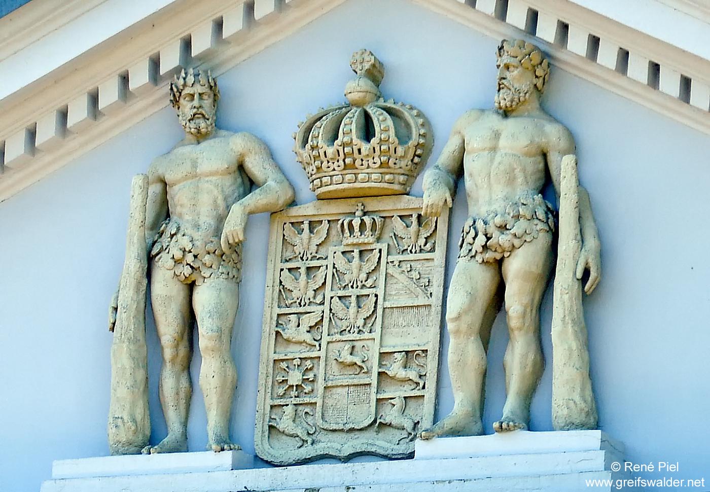 Preußisches Wappen am Universitätshauptgebäude in Greifswald