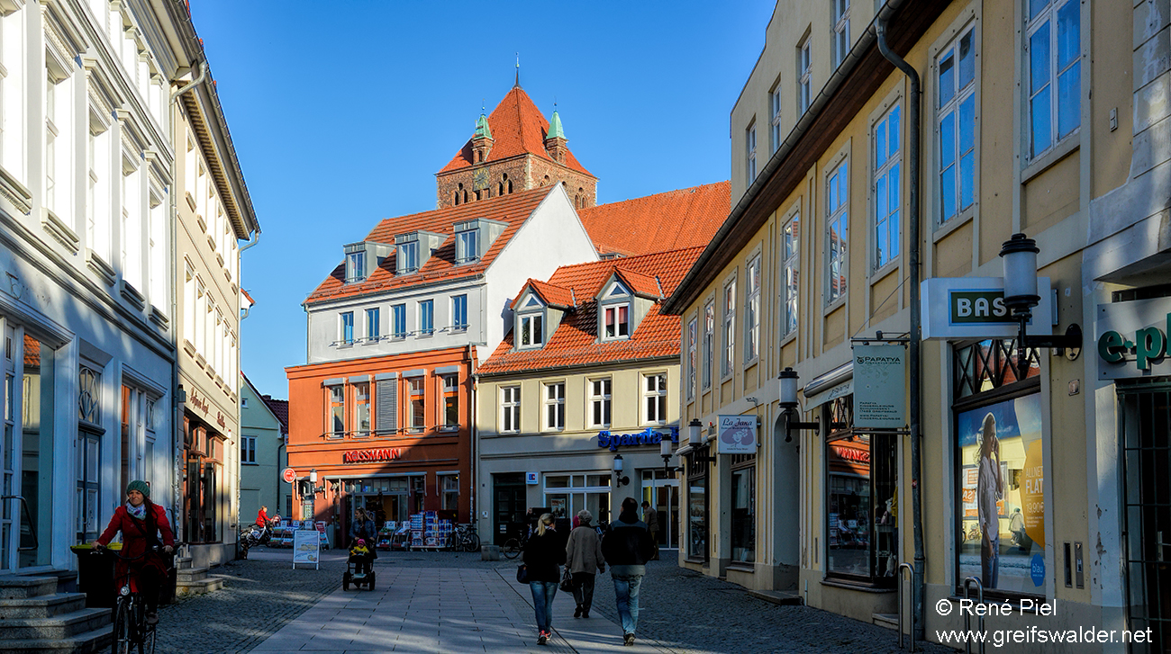Schuhhagen Greifswald mit Blick auf die Marienkirche