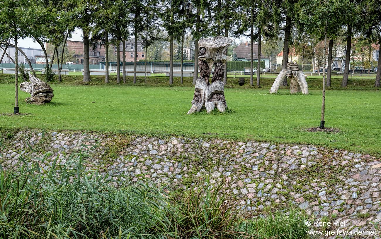 Skulpturen in Züssow