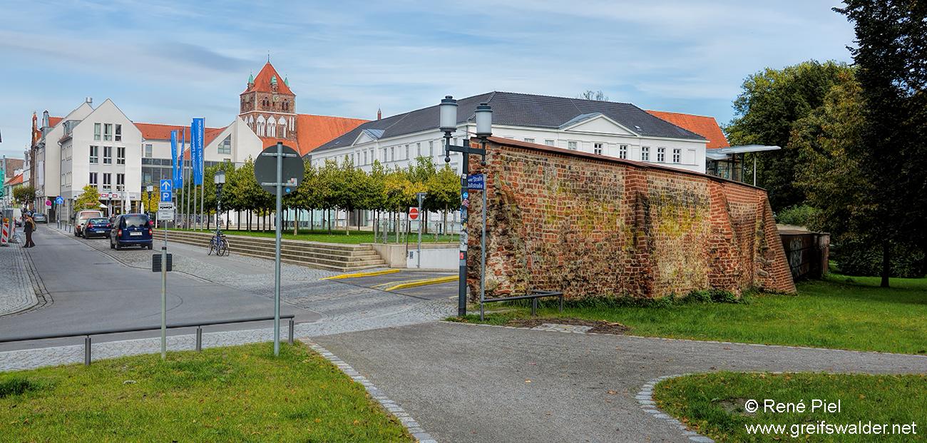 An der Stadtmauer in Greifswald