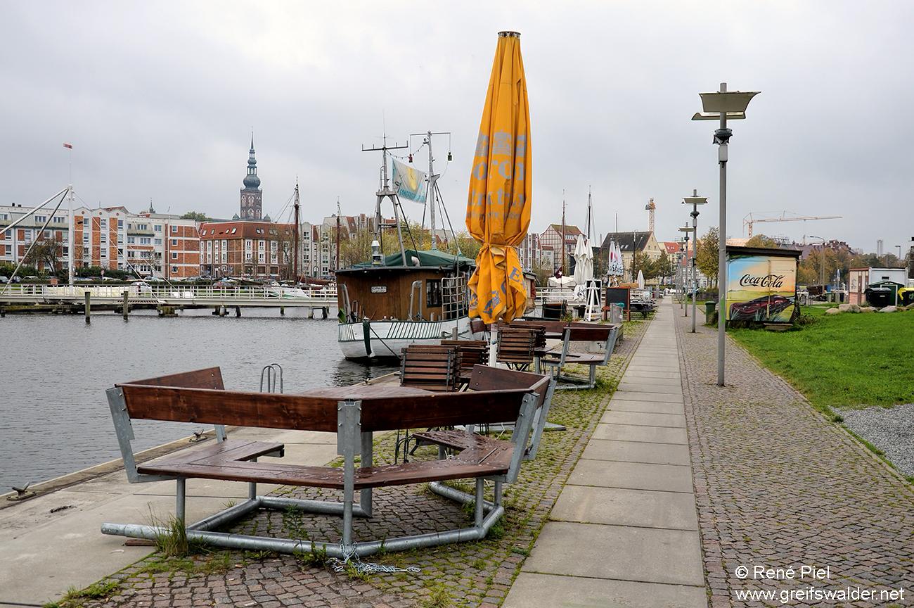 Herbst am Museumshafen in Greifswald