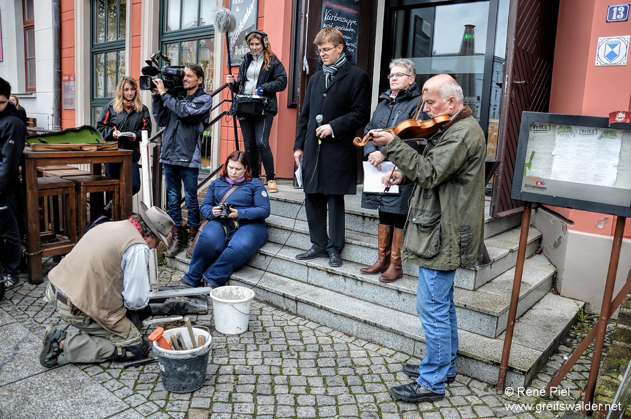 Verlegung Stolpersteine in Greifswald