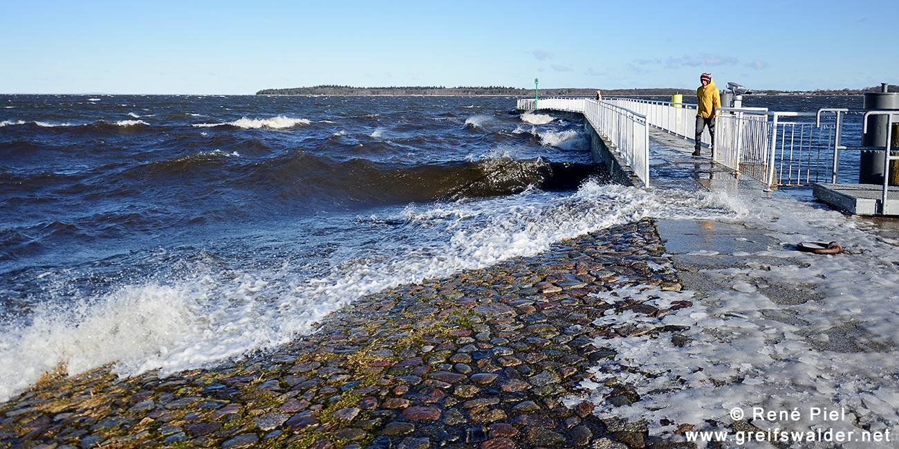 Sturm an der Mole in Greifswald-Wieck