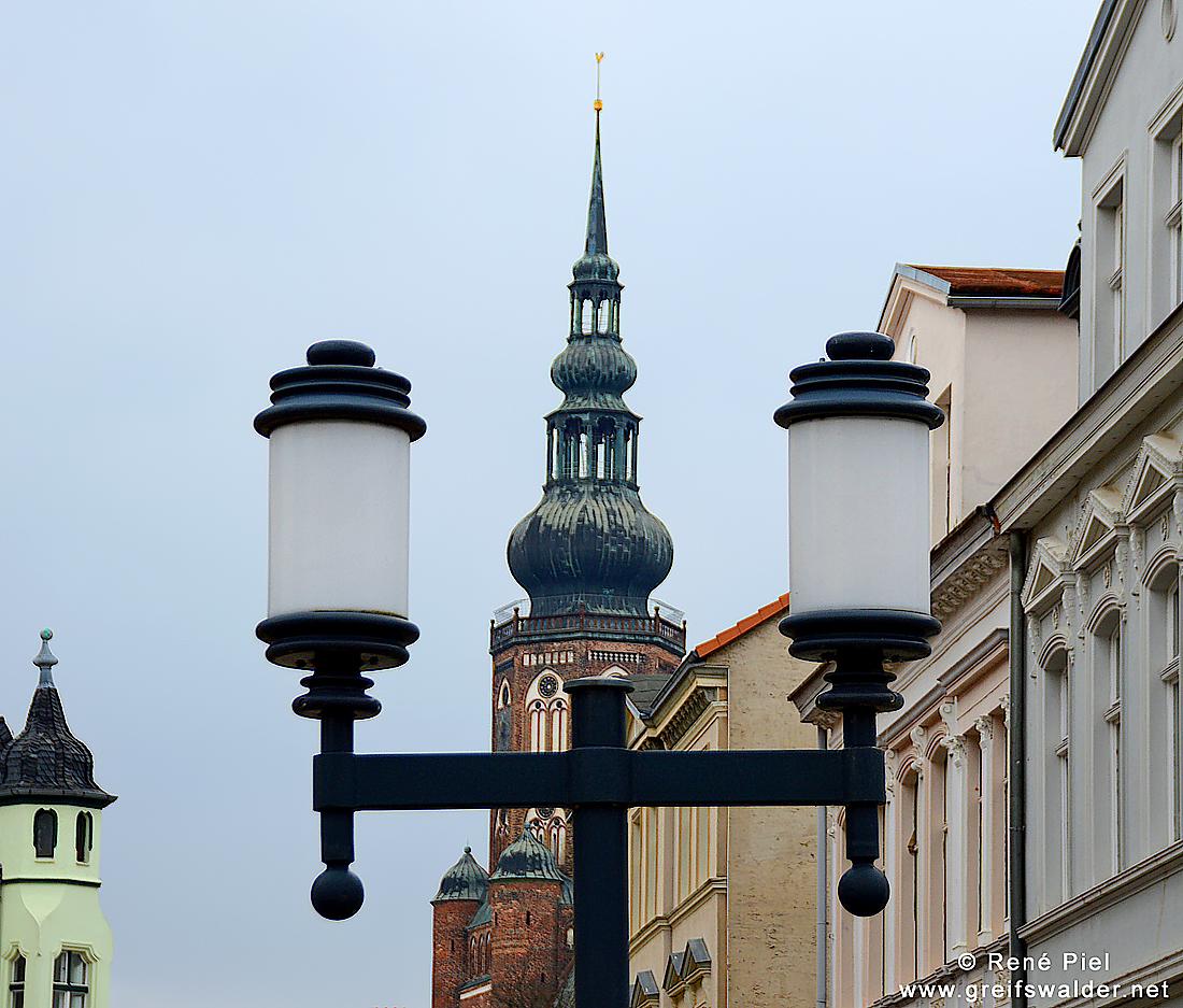 Blick auf den Dom Sankt Nikolai in Greifswald
