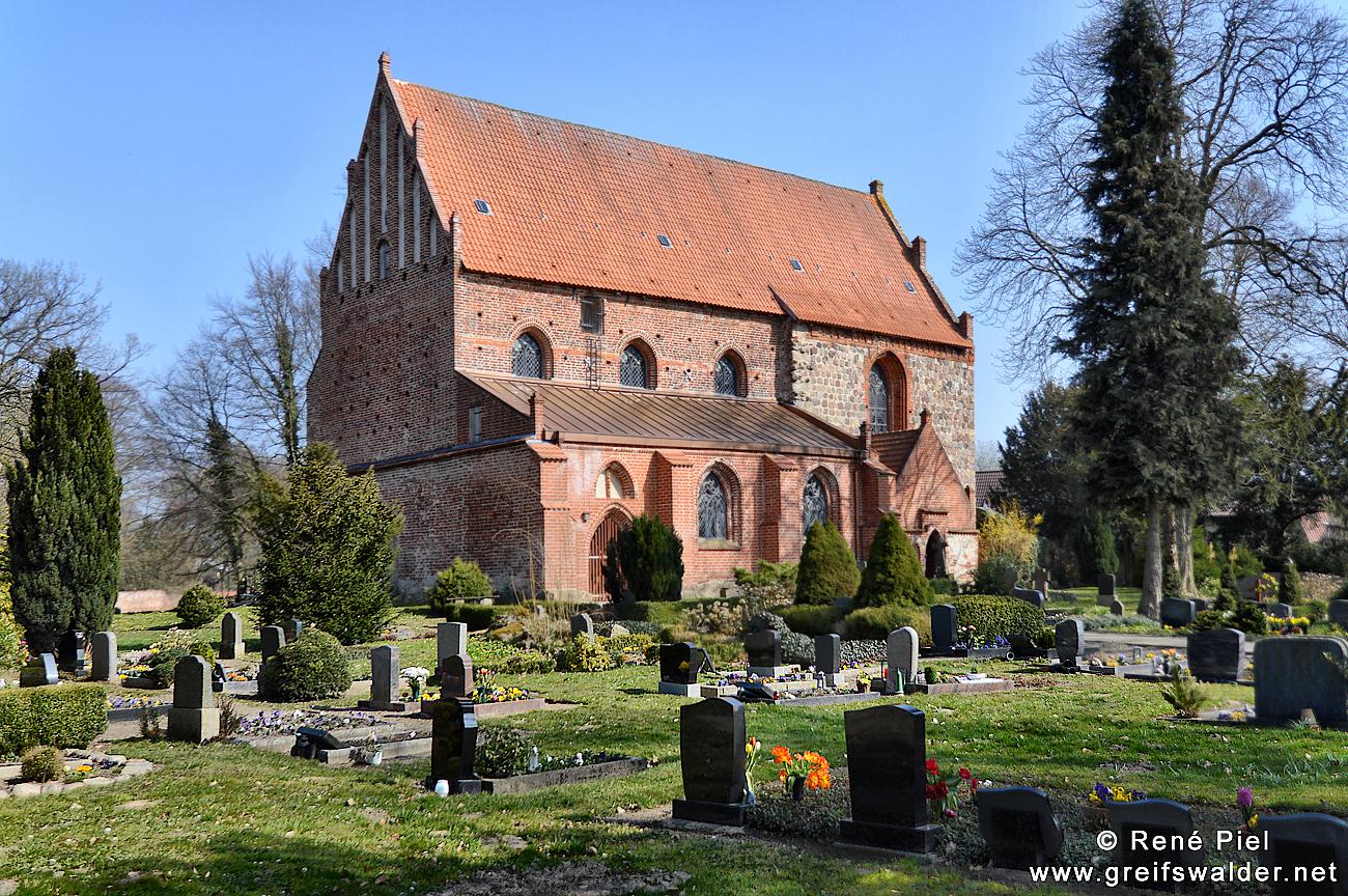 Kirche in Behrenhoff