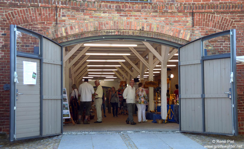 Klostermarkt in der Klosterruine Eldena