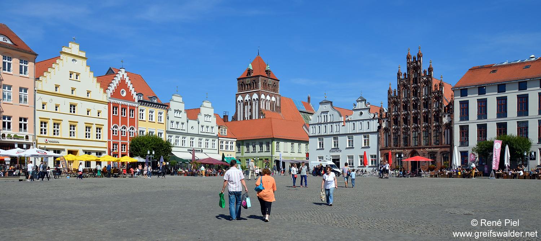 Samstagnachmittag Marktplatz Greifswald