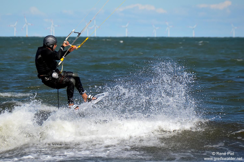 Kitesurfer am Strand von Prerow