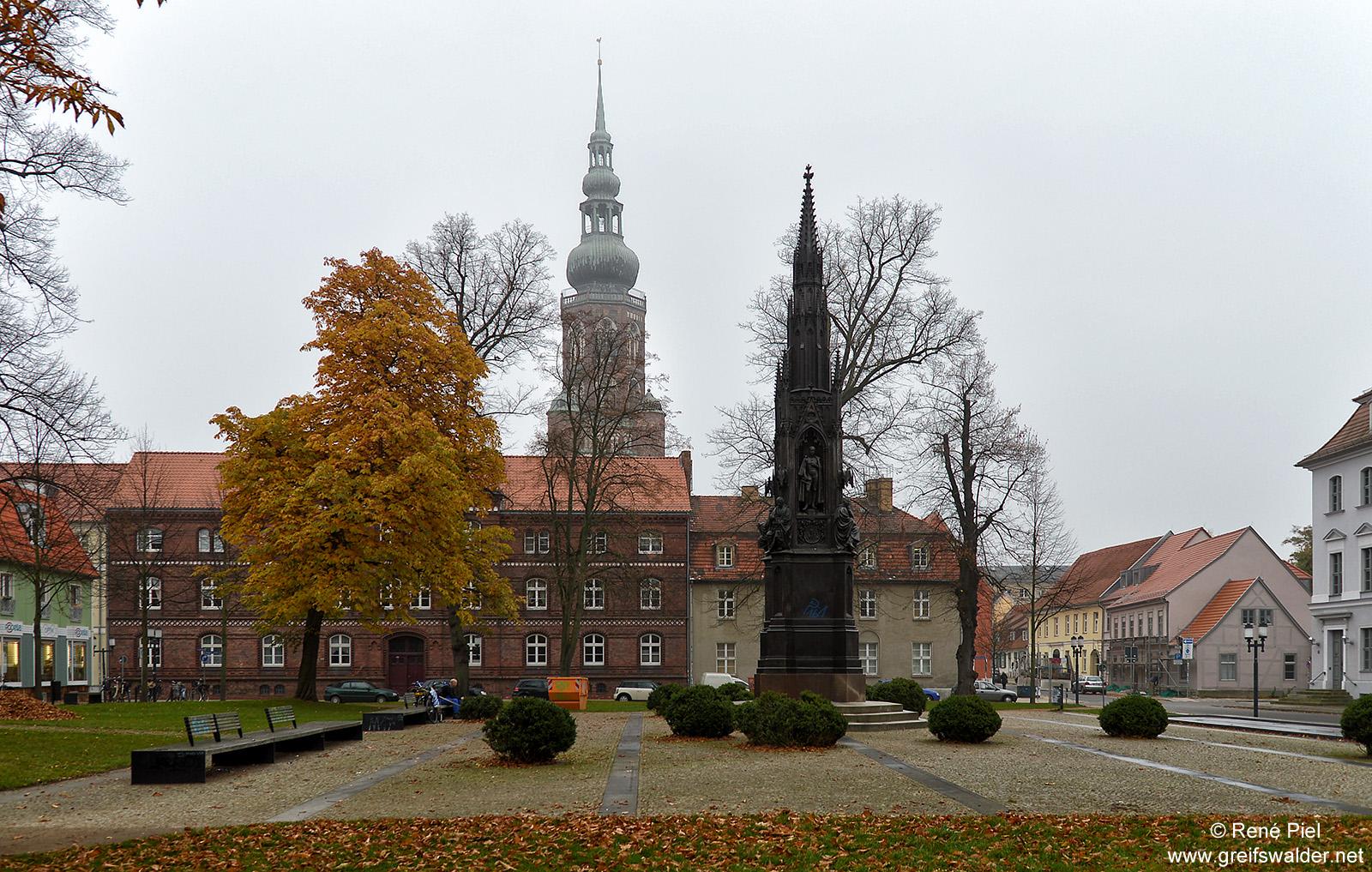 Am Rubenowplatz in Greifswald