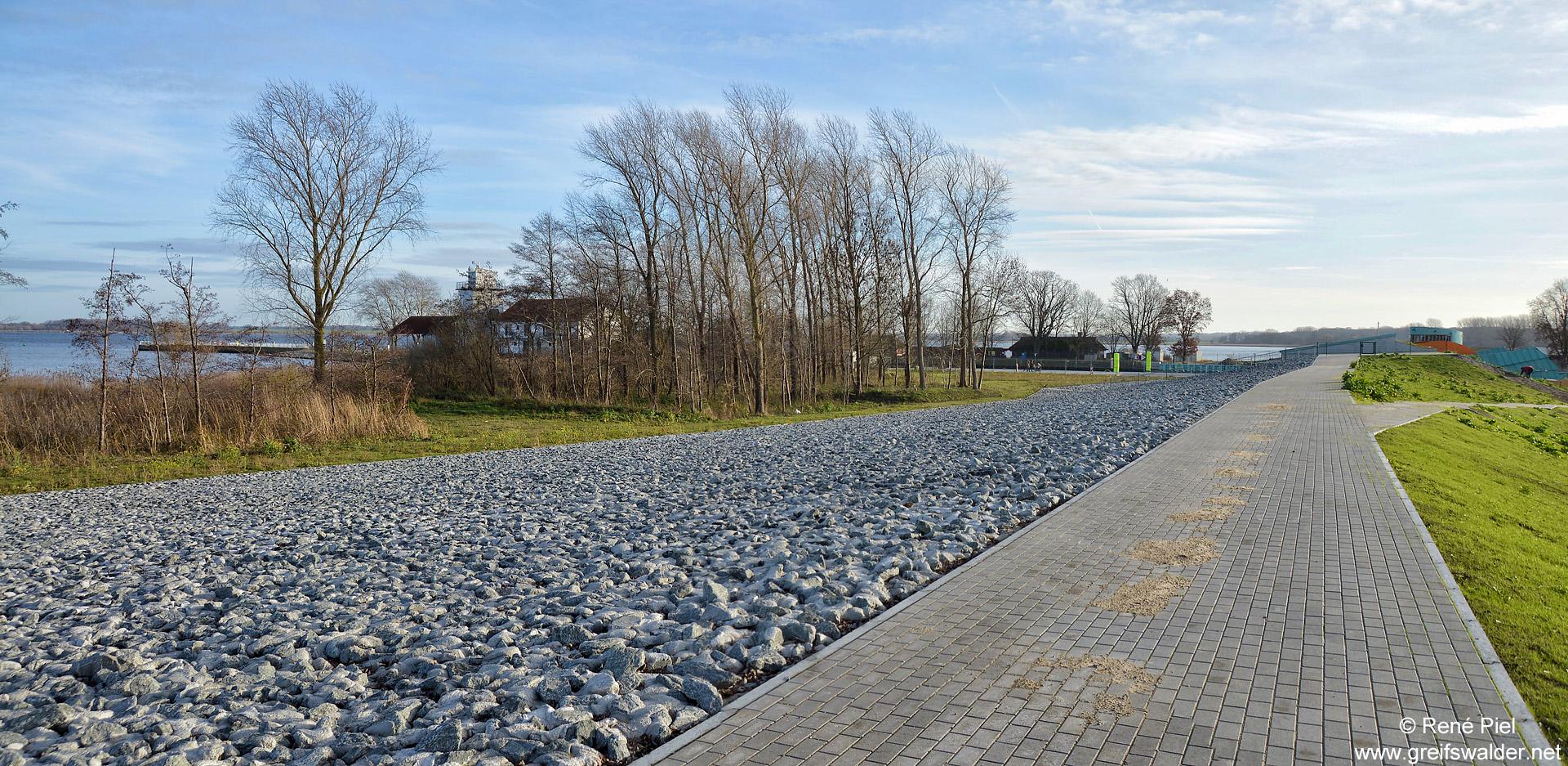 Neuer Deich zwischen Wieck und Ladebow in Greifswald