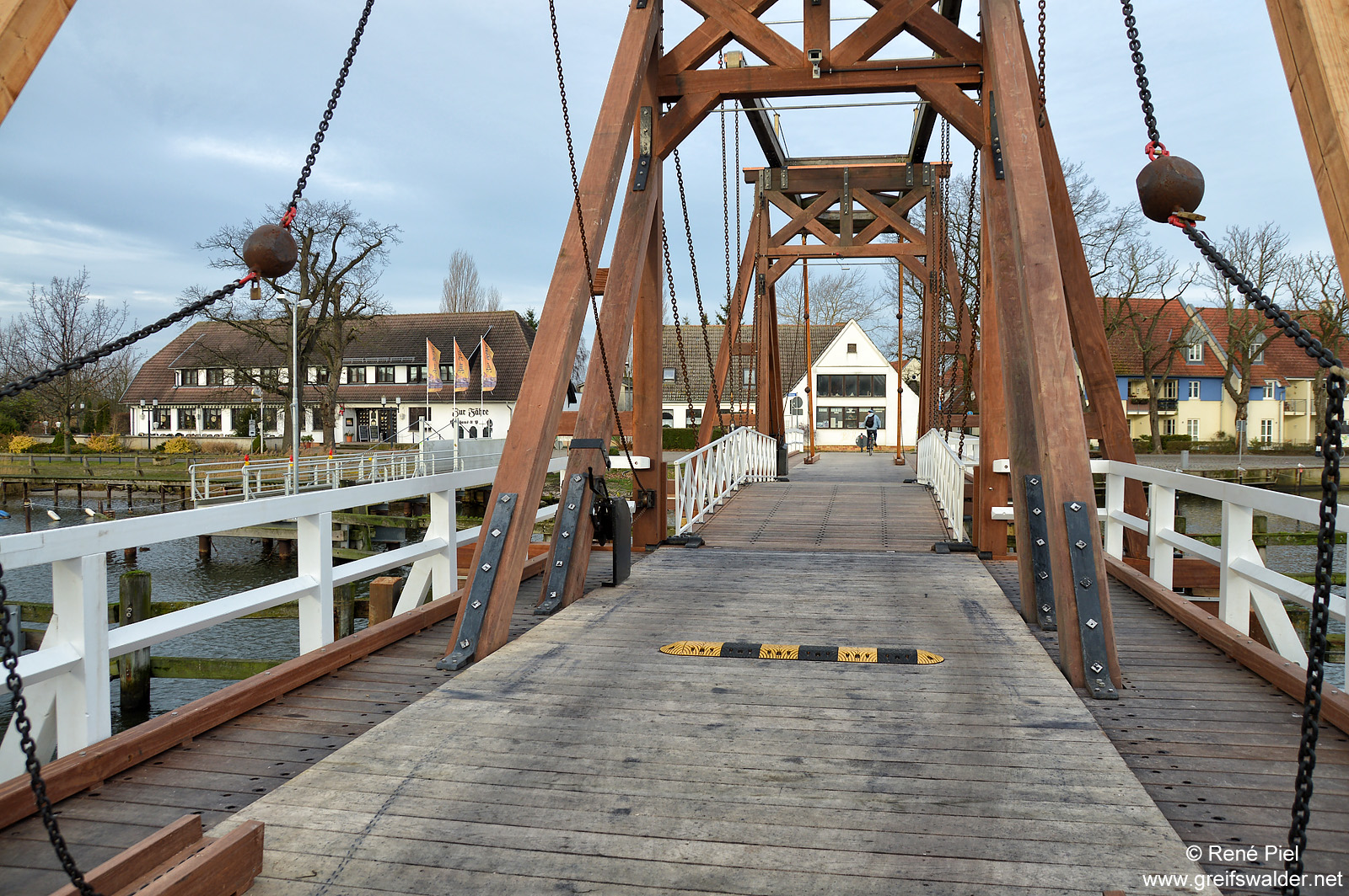 Klappbrücke in Greifswald-Wieck