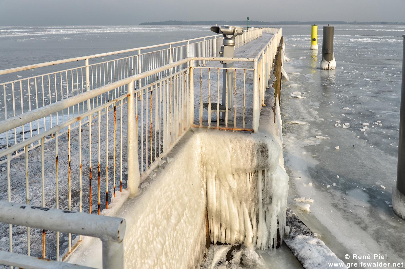 Winter an der Mole Greifswald-Wieck