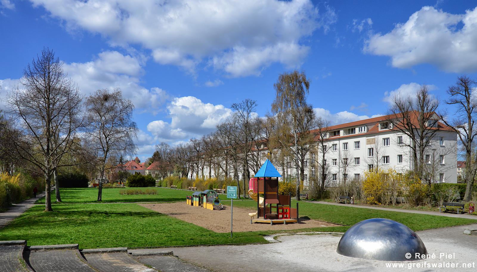 Im Rosengarten in Greifswald