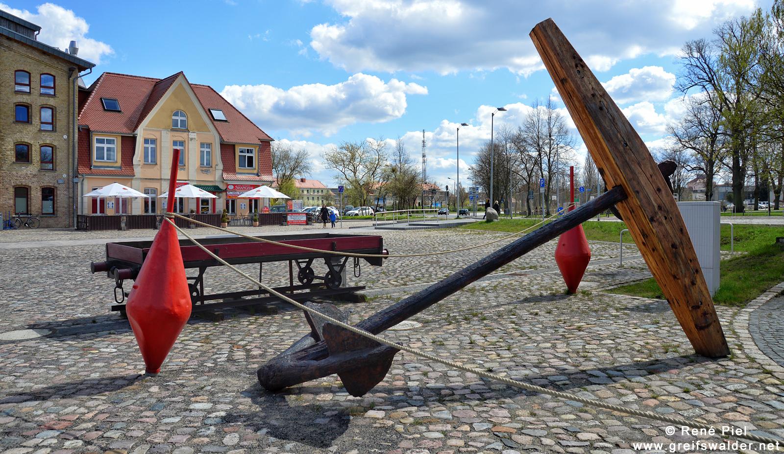 Großer Anker am Museumshafen in Greifswald