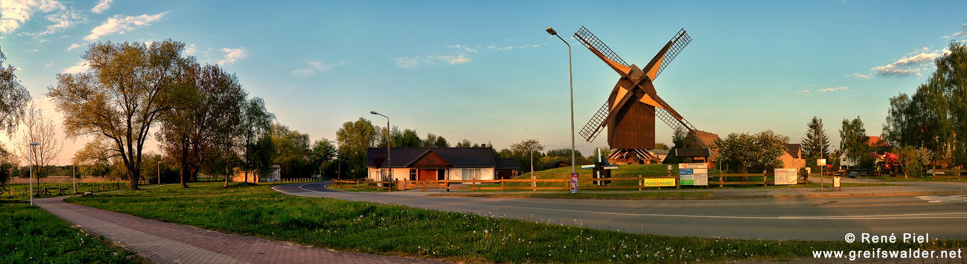 Frühlingsabend an der Bockwindmühle in Greifswald-Eldena