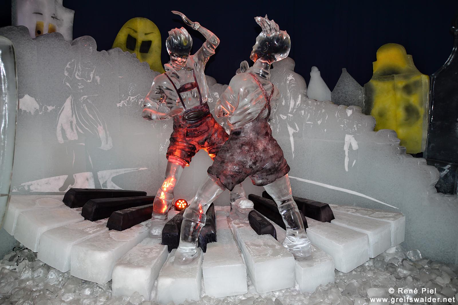 Eisskulpturen - Erdbeerhof Karls (Rövershagen)