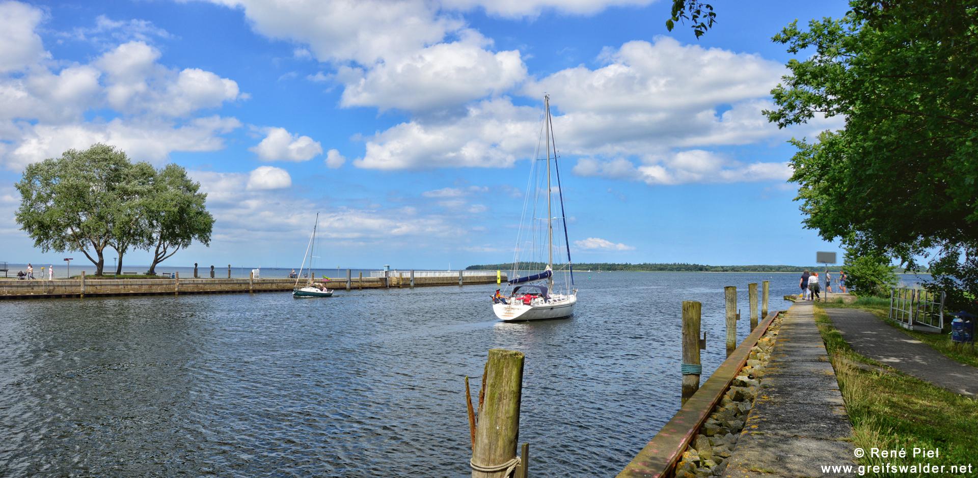 Erholung pur - An der Mole in Greifswald-Wieck