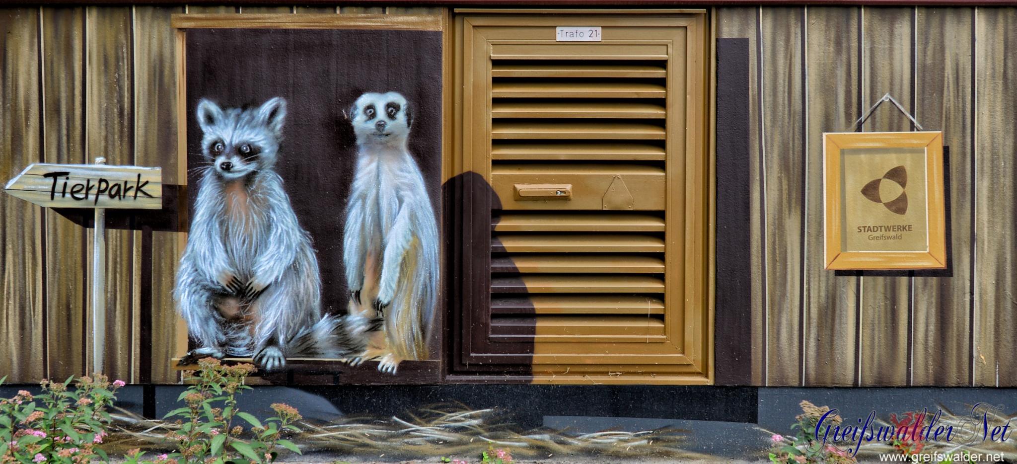Graffiti Wegweiser zum Tierpark in Greifswald