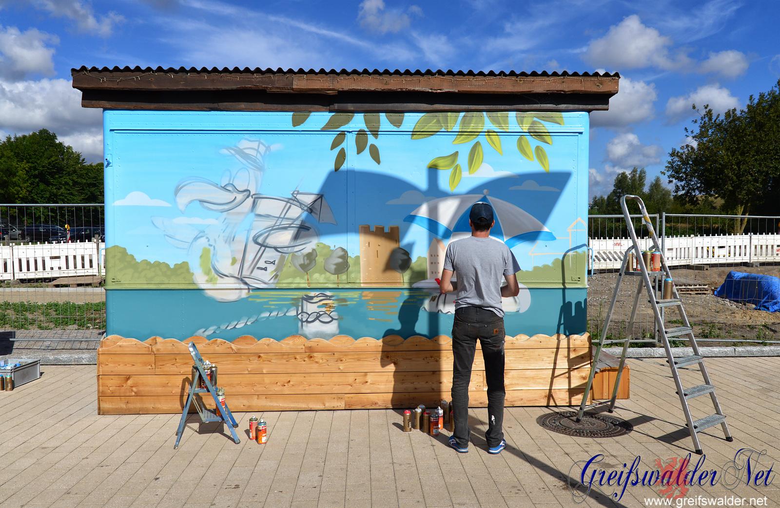 Graffiti entsteht am Museumshafen in Greifswald