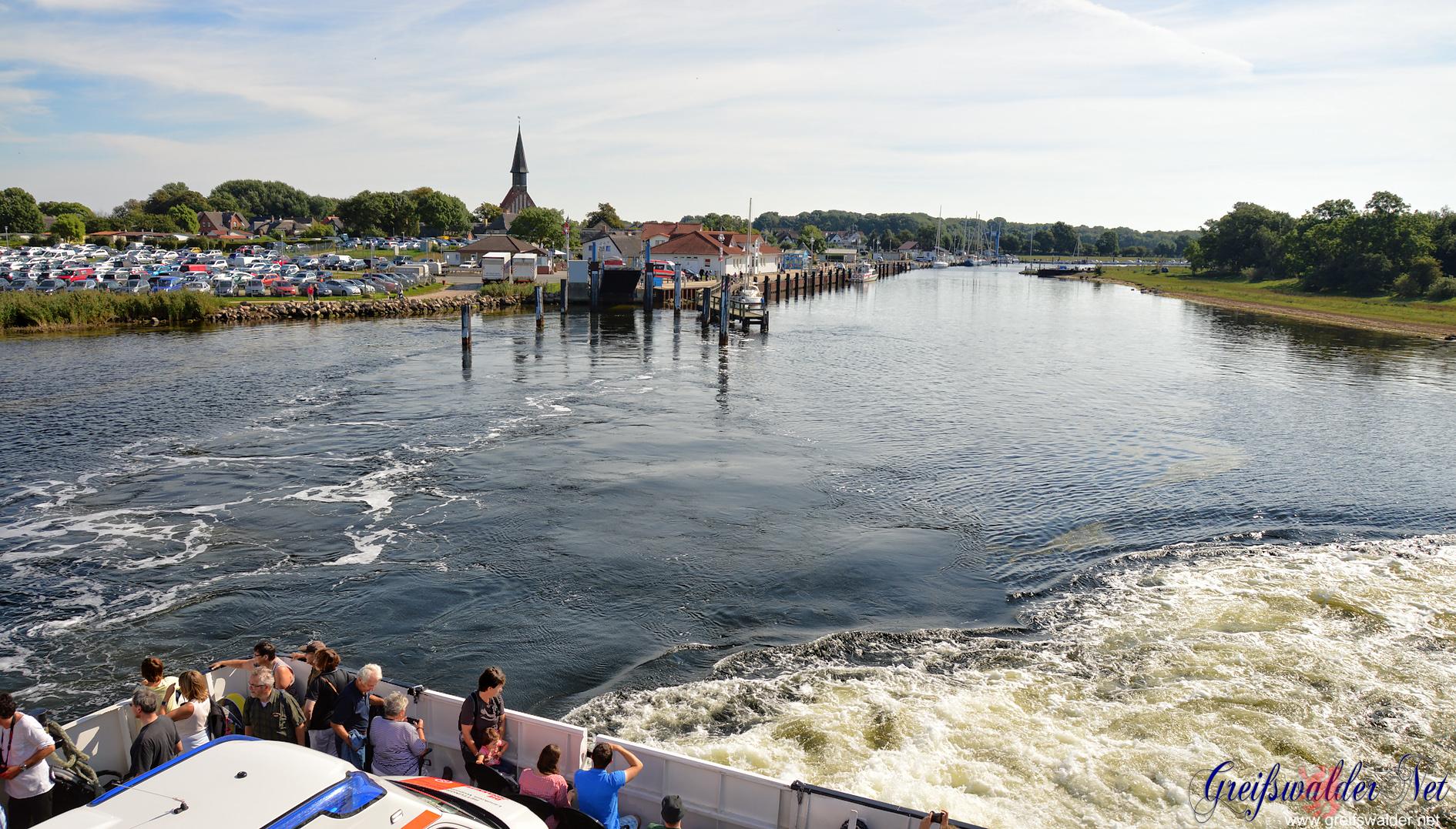Abfahrt aus Schaprode (Rügen) in Richtung Hiddensee