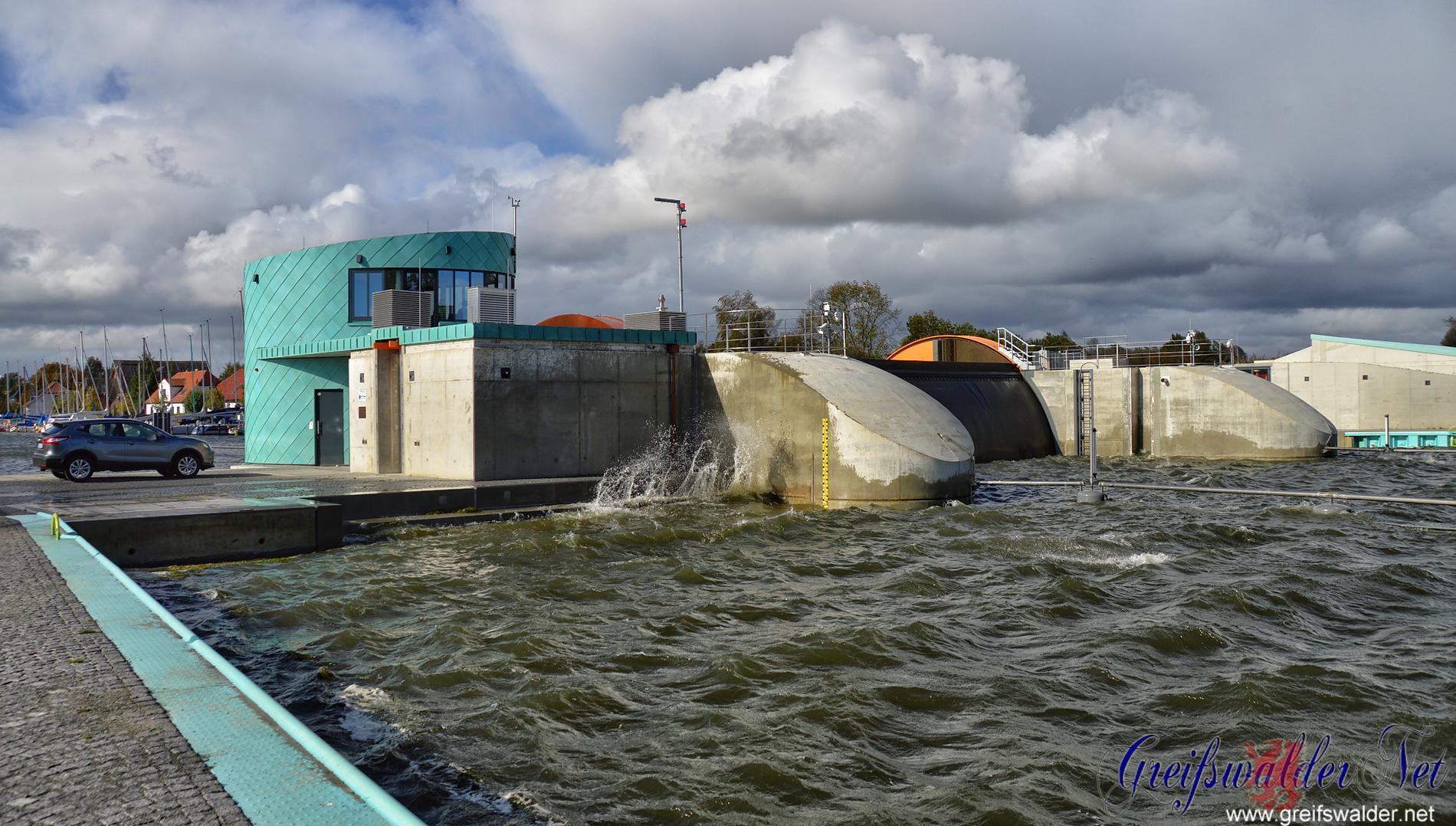 Sperrwerk in Greifswald-Wieck geschlossen