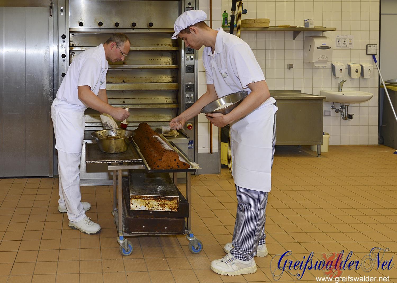 Stollen backen im Berufsbildungswerk Greifswald