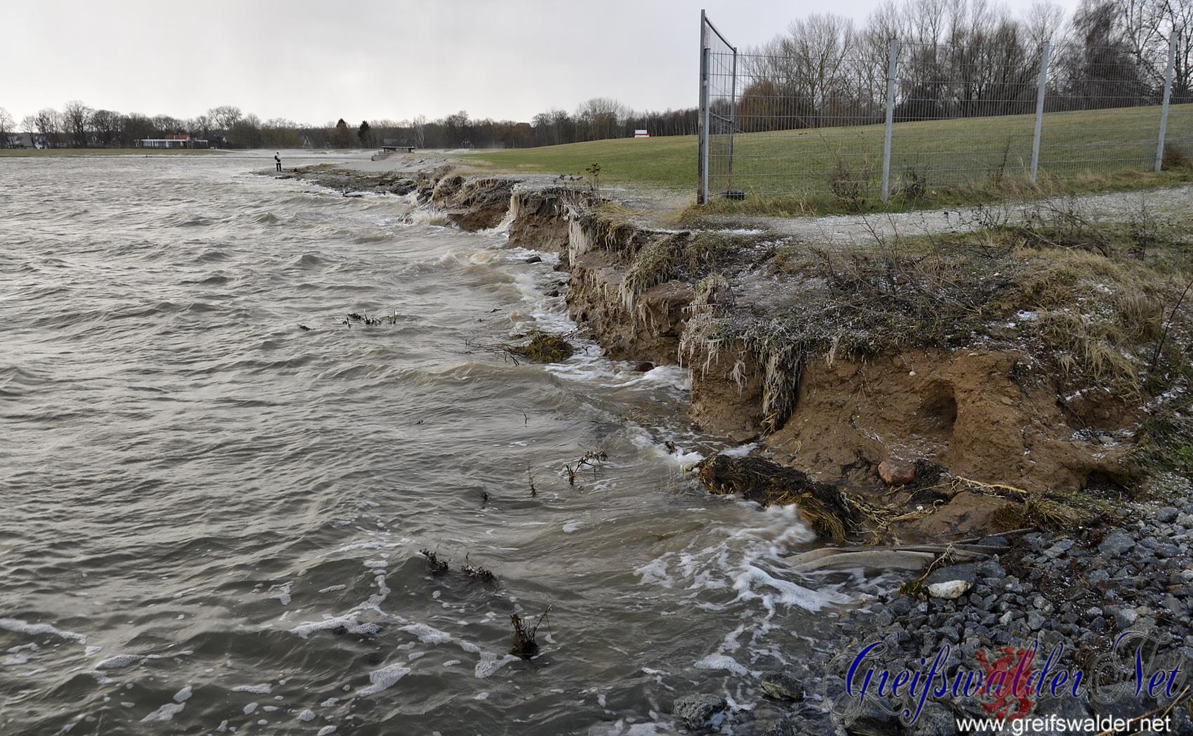 Hochwasser am Strand in Greifswald-Eldena