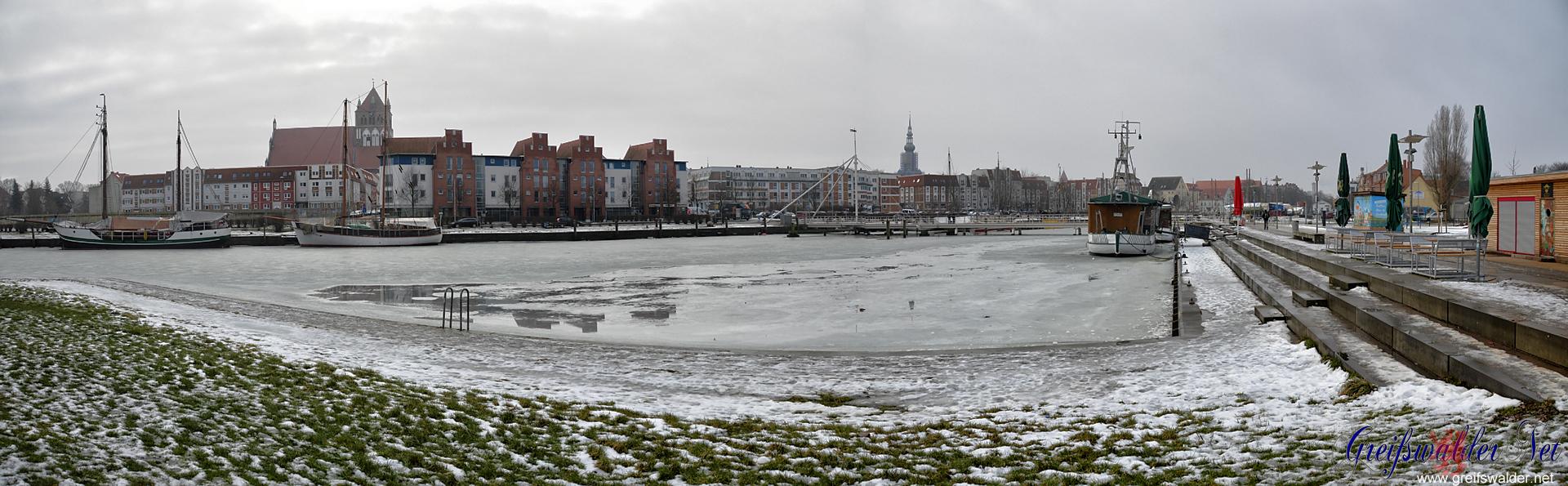 Winter am Museumshafen in Greifswald