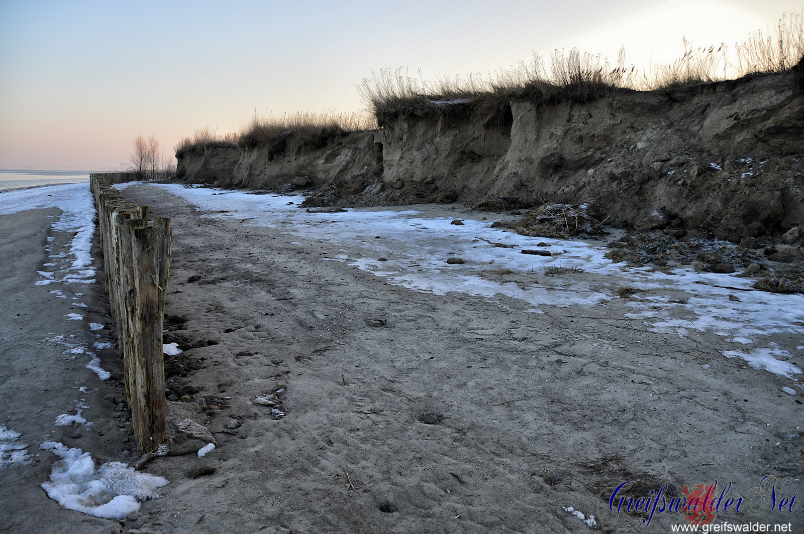 Erosion am Strand in Wampen