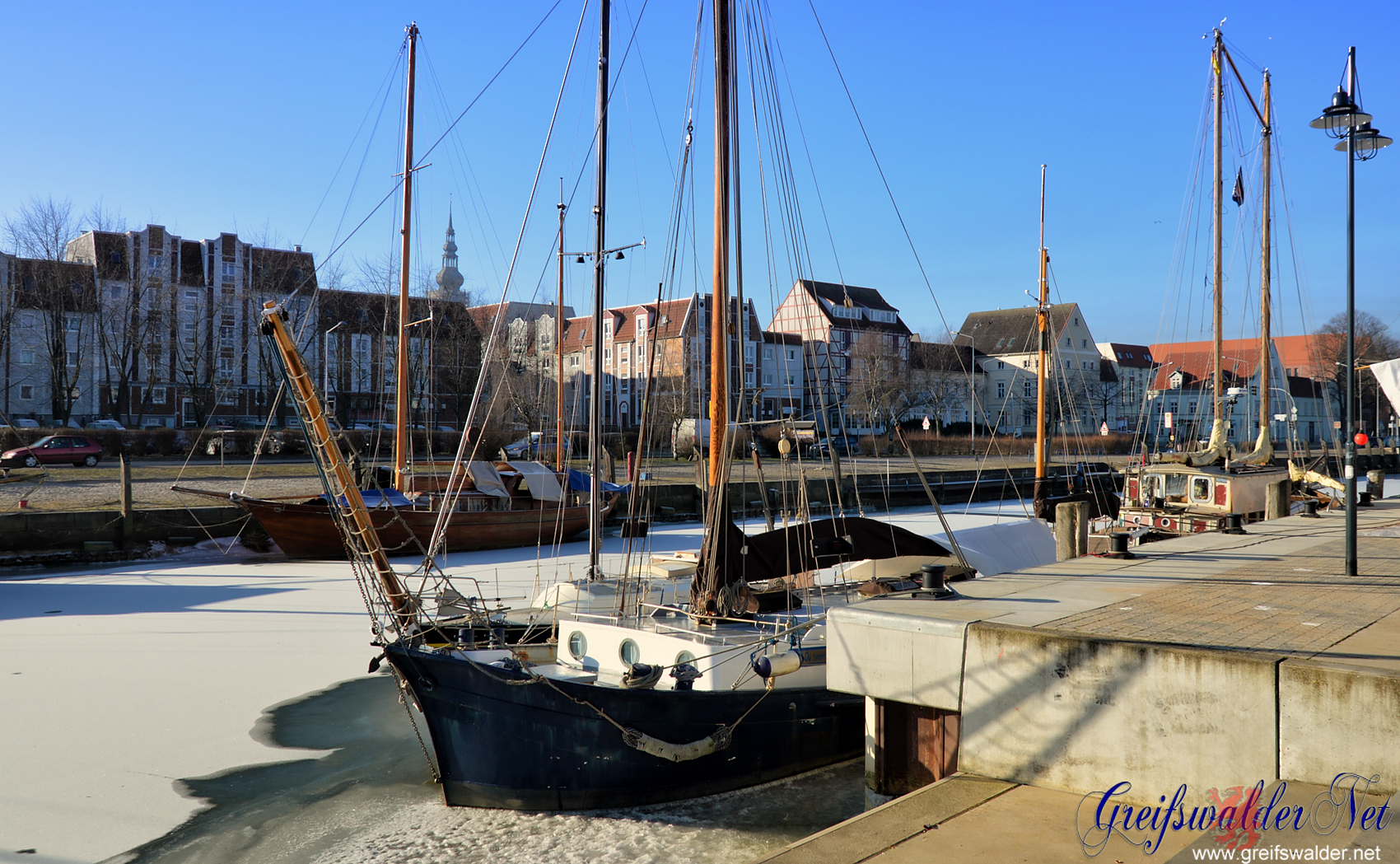 Wintertag am Museumshafen in Greifswald