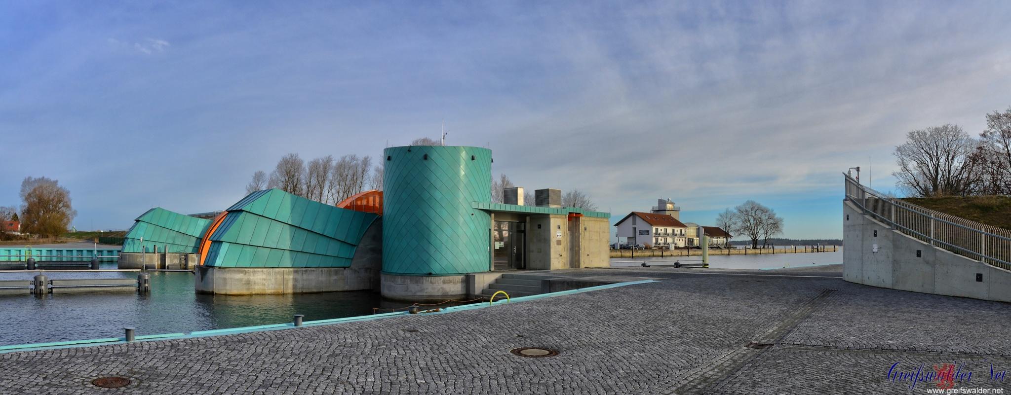 Sperrwerk, Utkiek und Mole in Greifswald-Wieck