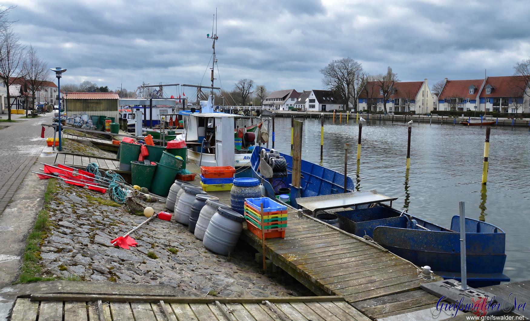 Fischer haben Feierabend in Greifswald-Wieck