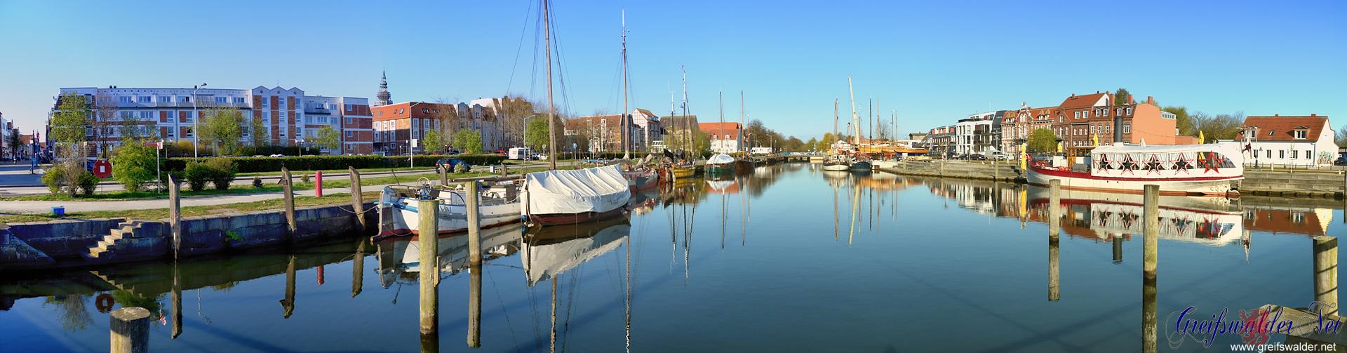 Freitagmorgen am Museumshafen in Greifswald