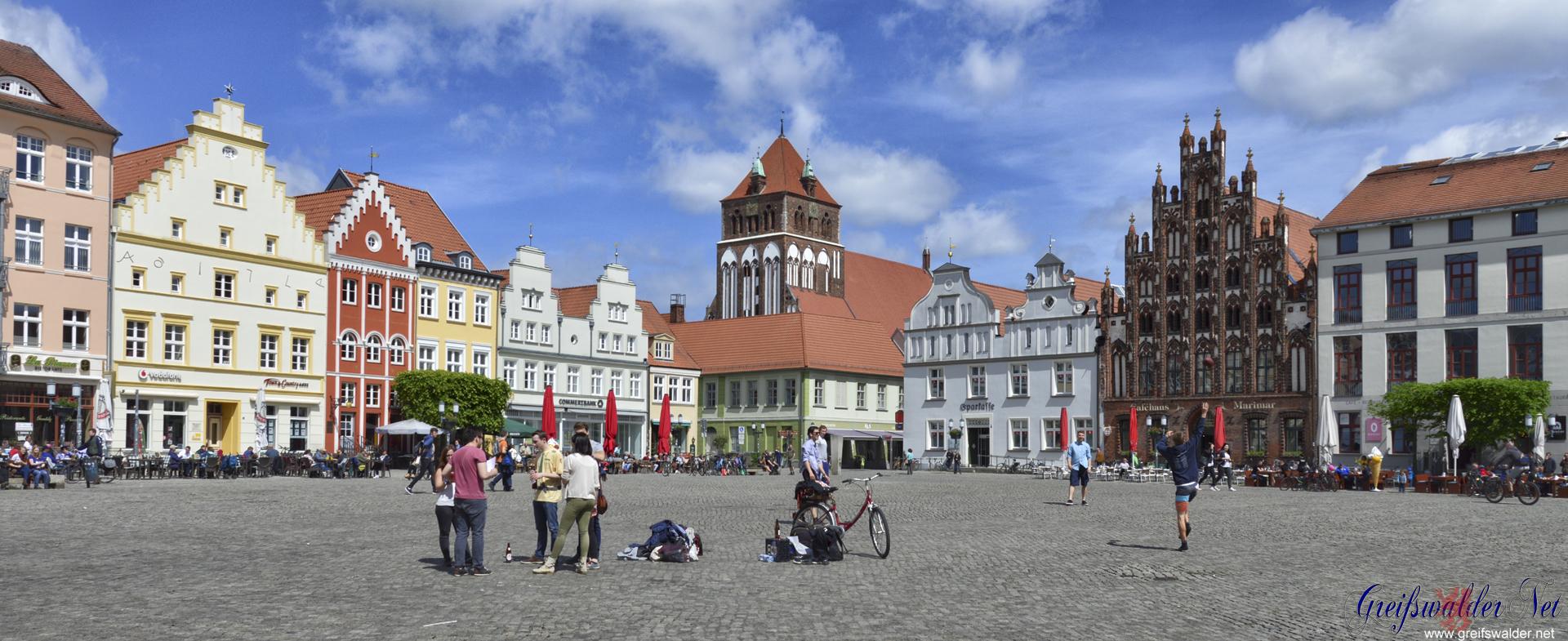 Herrentag auf dem Marktplatz in Greifswald