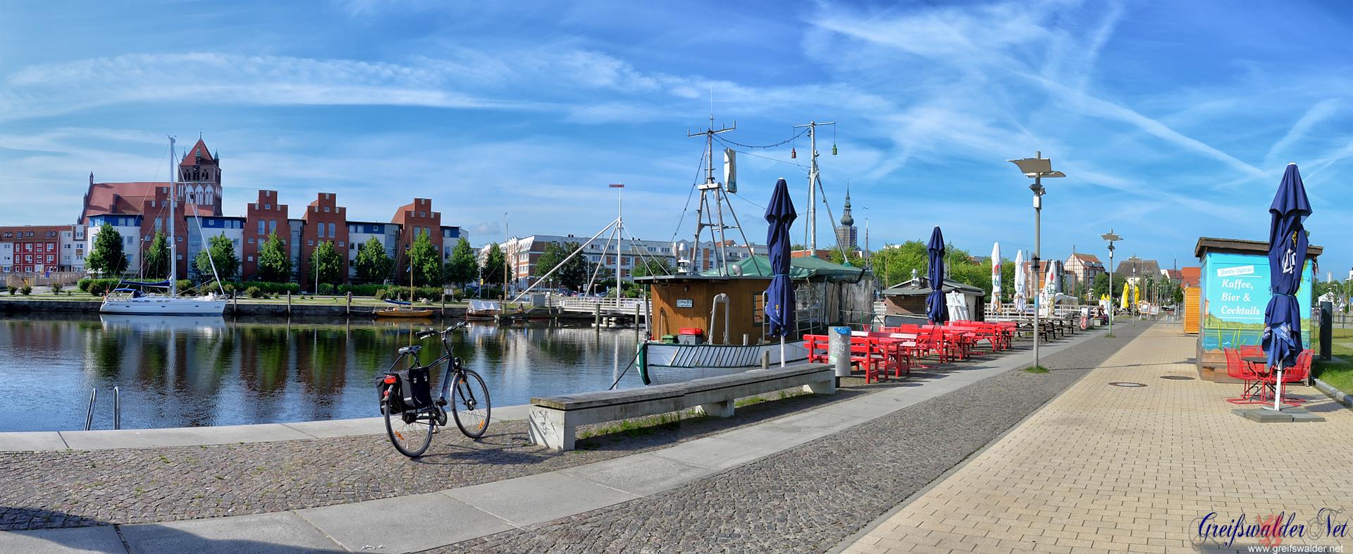 Vormittag am Museumshafen in Greifswald