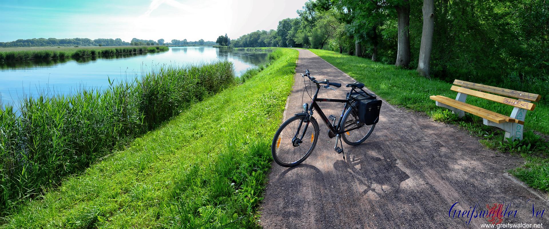 Fahrradtour auf dem Treidelpfad in Greifswald
