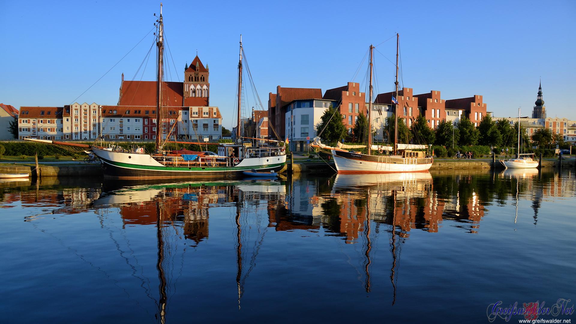Sommerabend am Museumshafen in Greifswald