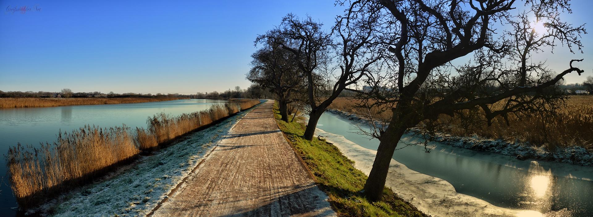 Dezember-Nachmittag auf dem Treidelpfad in Greifswald